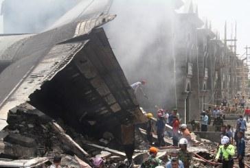सैनिक विमान दुर्घटनामा २० को मृत्यु