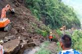 नारायणगढ–मुग्लिन सडकमा पुनः पहिरो