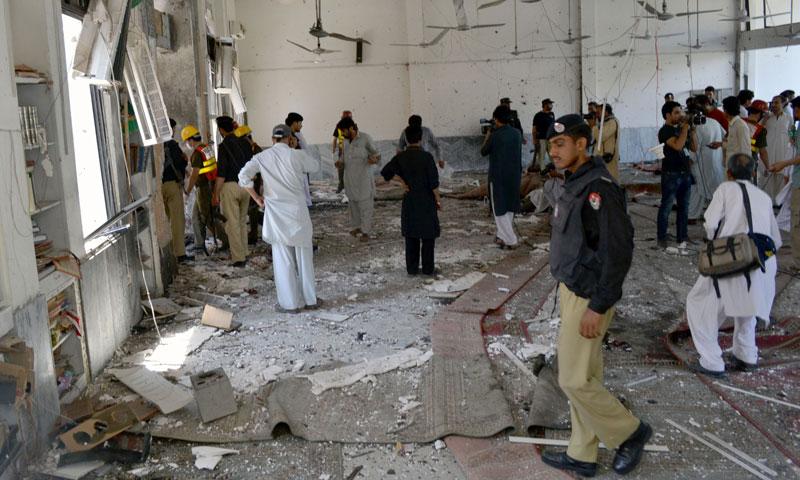पाकिस्तानमा आत्मघाती बम आक्रमण, नेतासहित १४ को मृत्यु
